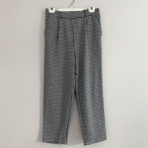 Forever 21 houndstooth black and white trouser